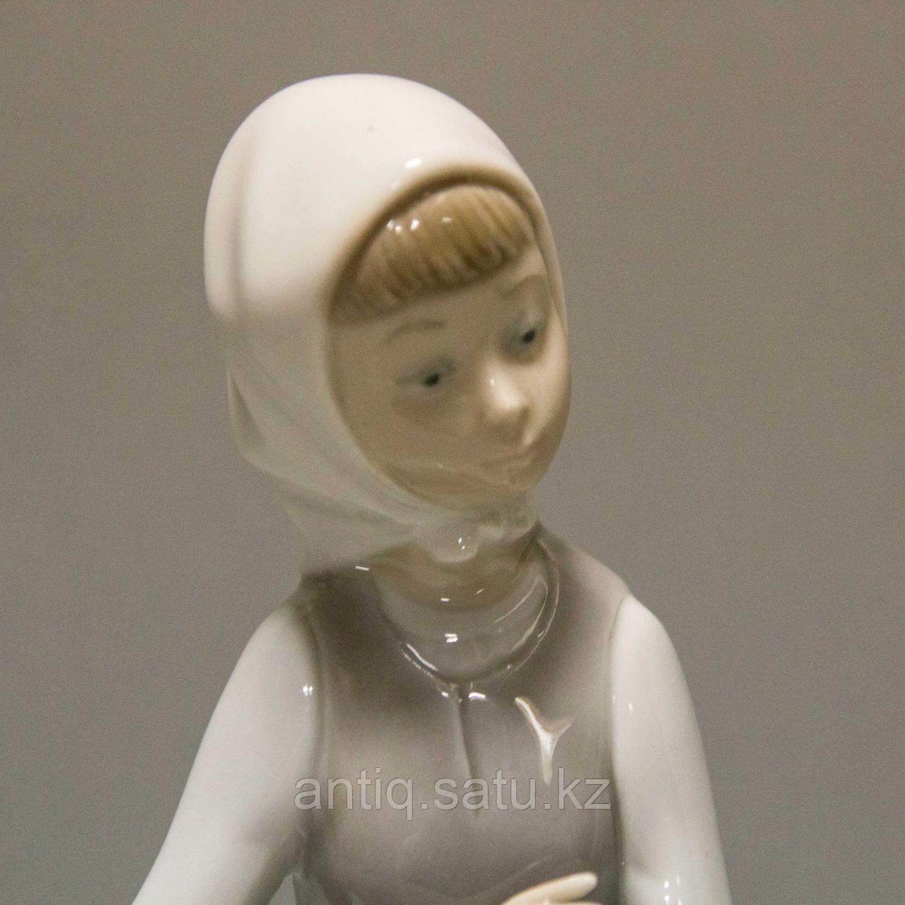 Девочка с ягненком. Фарфоровая мануфактура Lladro - фото 4