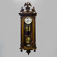 Настенные часы в стиле Грюндерцайт. Часовая мастерская Густав Беккер