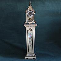 Итальянские часы в венецианском стиле