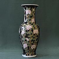 Огромная парадная ваза