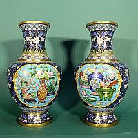 Пара ваз клуазоне «Пионы и цветы сливы»