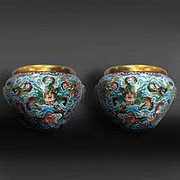 Пара монументальных китайских ваз с драконами. Клуазоне. Китай.