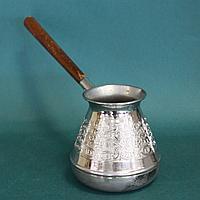 Массивная большая турка для кофе. Медь. Удобная ручка из дерева. Россия. 90-е годы.