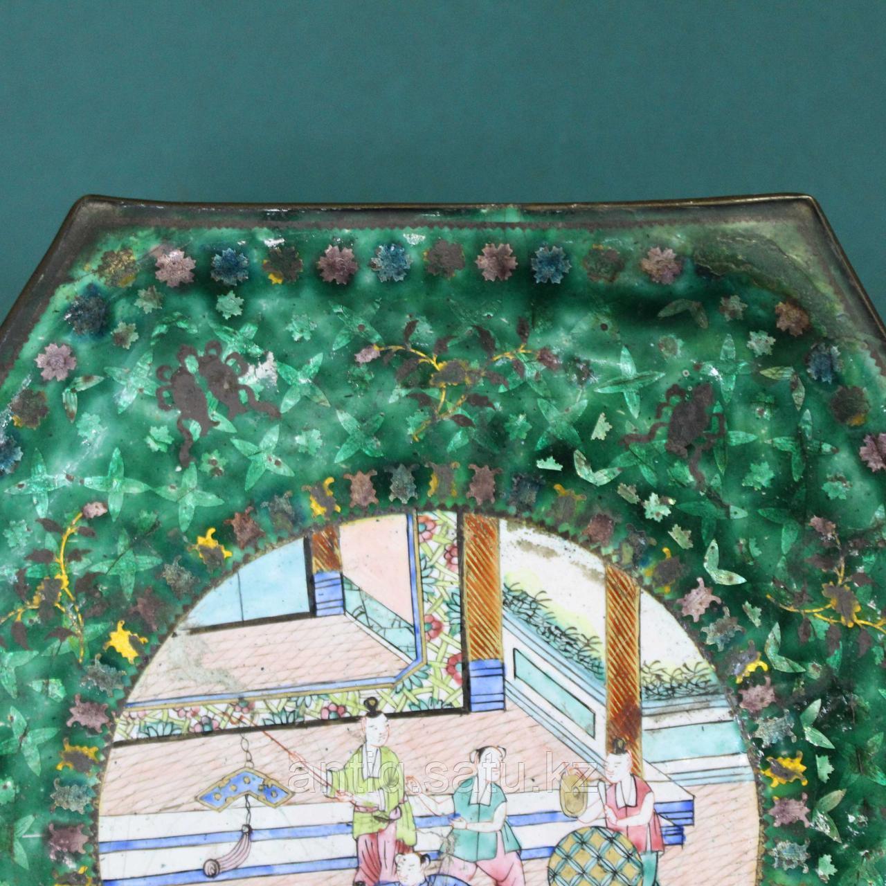 Старинная тарелка в технике пекинской эмали. Китай. ХIХ век. - фото 3