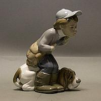 Юный охотник с собакой Фарфоровая мануфактура Lladro