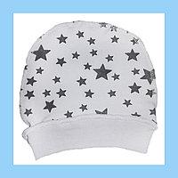 Трикотажные шапочки белый со звездой