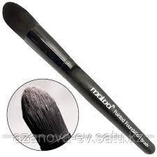 Кисть для макияжа Malva Cosmetics №027 Pointed Foundation Brush для контурирования