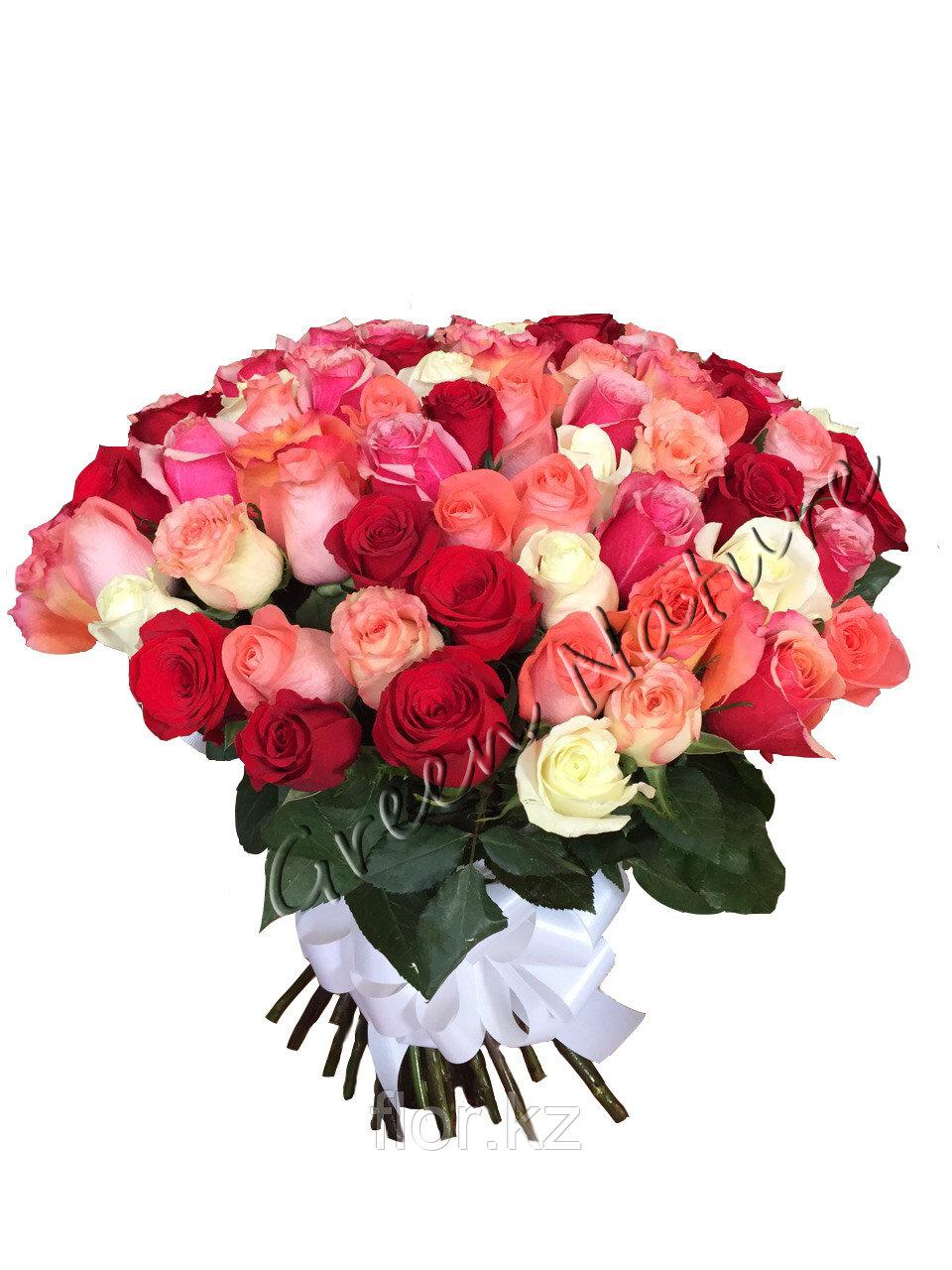 Яркий букет-микс  из 101 розы