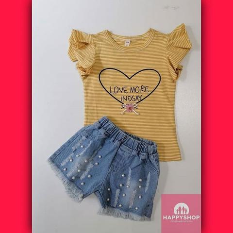 Футболка и джинсовые шорты для девочек