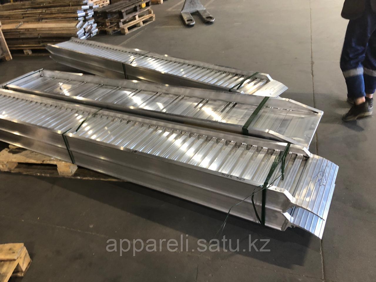 Погрузочные рампы 3,3 тоны, 2,5 м производство