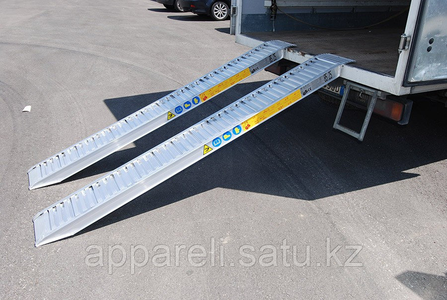 Производство рамп сходней алюминиевых аппарелей 6450 кг
