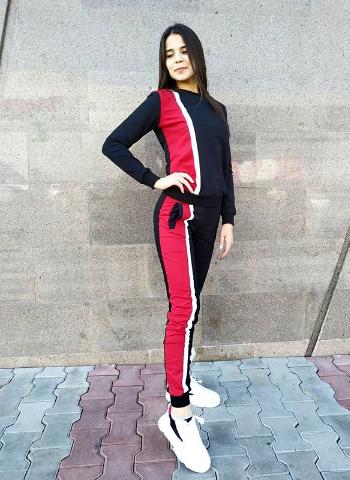 Женский красно-черный спортивный костюм