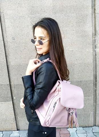 Женская рюкзак розовый