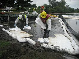 Боны для локализации разливов нефтепродуктов, технических жидкостей и химических веществ