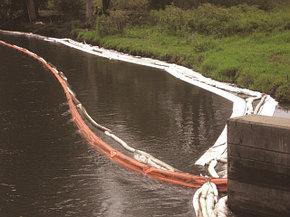Материалы для сбора нефтеразливов на воде / в море