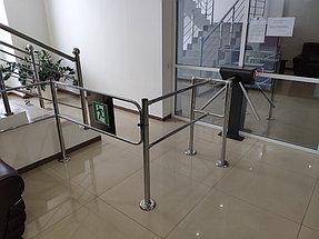 Установка системы контроля доступа и турникетов в торговый дом ZHERSU 4