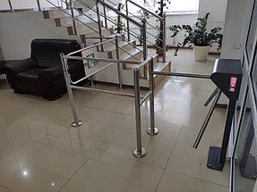 Установка системы контроля доступа и турникетов в торговый дом ZHERSU 6