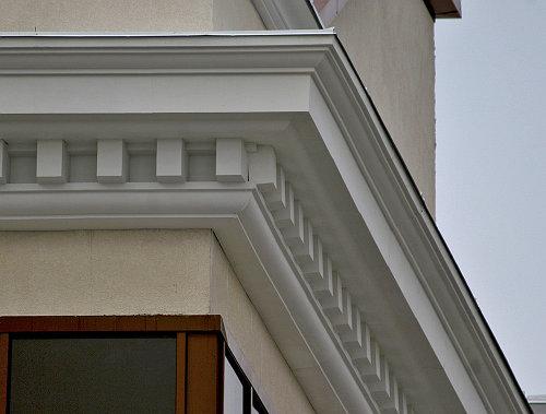Как использовать декоративные элементы фасада