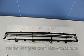 96865489 Решётка в бампер центральная для Chevrolet Captiva C100 2007-2010 Б/У