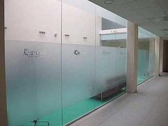 Изготовление стеклянной перегородки для офиса