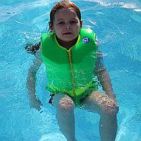 Плавательный жилет зеленый
