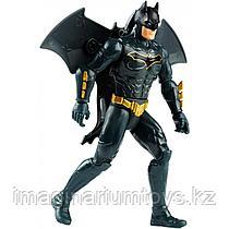 Фигурка Бэтмен 15 см с крыльями