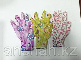 Прорезиненые перчатки цветочек