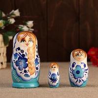 Матрешка ' Душа России',3 кукольная, белый фон, 10 см