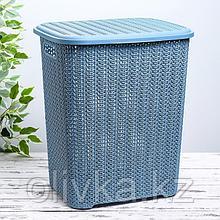 Корзина для белья с крышкой «Вязь», 60 л, 37×45×53 см, цвет голубой