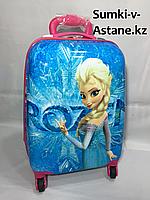 Детский пластиковый чемодан на 4-х колесах для девочек,с 4-х до 7-и лет.Высота 46 см,ширина 30 см,глубина 22см, фото 1