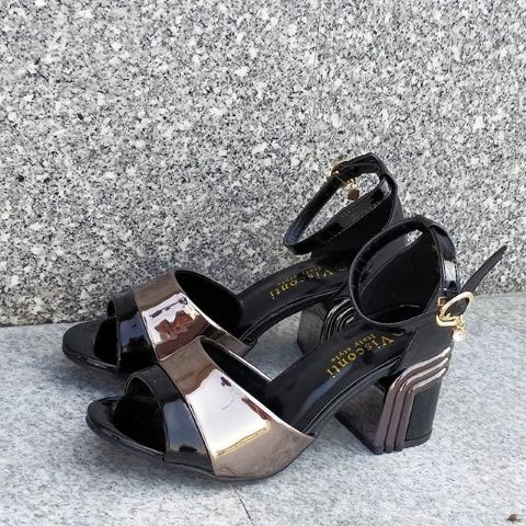 Женские туфли на широком каблуке с открытым носом 36-40 размер