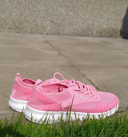 Кроссовки женские розовые Reebok 36-41 размер
