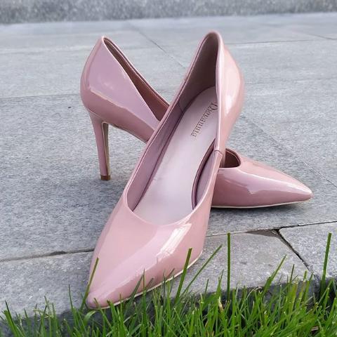 Женские туфли лакированные пудровые 35-40 размер