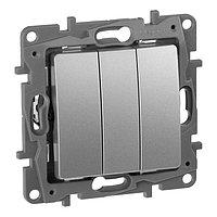 Выключатель трехклавишный Legrand Etika 672413,10А, алюминиевый, фото 1