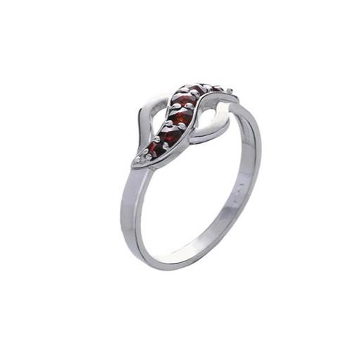 Кольцо из серебра с природным богемским гранатом