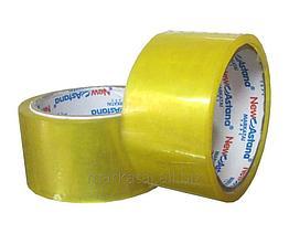 Широкий скотч канцелярский и упаковочный - липкая лента. Размер 80 мм - толщина. Длина (намотка) 90 м.
