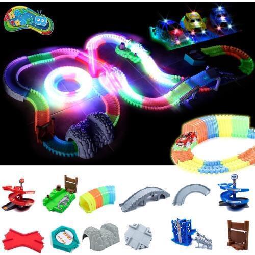 Детская игрушечная дорога Magic Tracks светиться в темноте