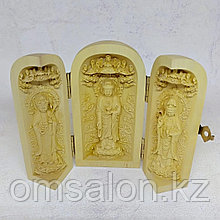 Складень трехстворчатый с Буддой Медицины, Гуань-Инь и Буддой Амитабхой