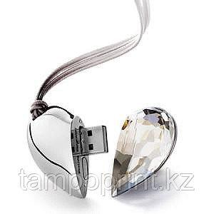 Флешка Сердце с кристаллом
