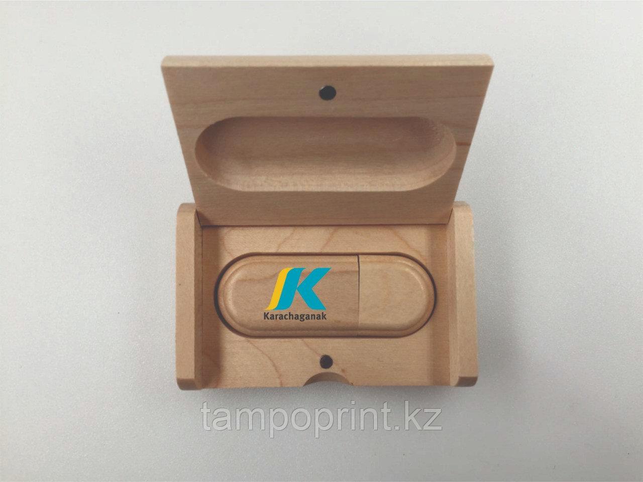 Флешка в деревянномкорпусе с футляром 16 гб