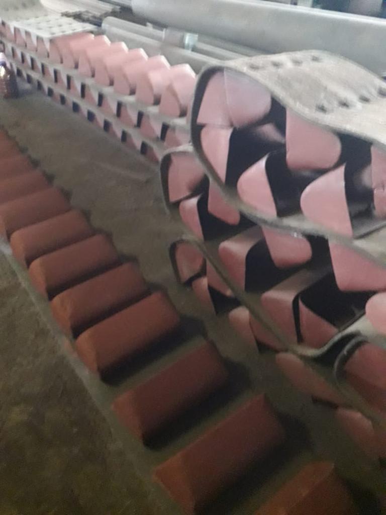 Лента норийная 400 мм в сборе с ковшами по 4 шт на метр