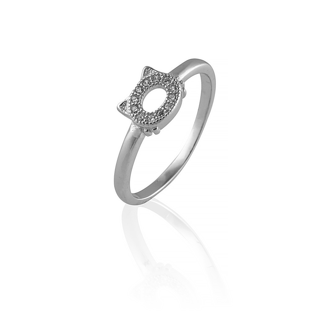 Серебряное кольцо с силуэтом кошки. Вставка: белые фианиты, вес: 1,6 гр, размер: 18, покрытие родий