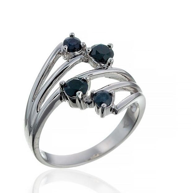 Серебряное кольцо с сапфиром. Вес: 4,1 гр, размер: 18, покрытие родий