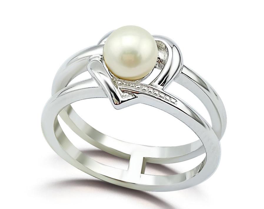 """Серебряное кольцо с двойной шинкой """"Сердце"""". Размер:17.5 вес:2,46 гр, вставка: речной жемчуг. Покрыт"""