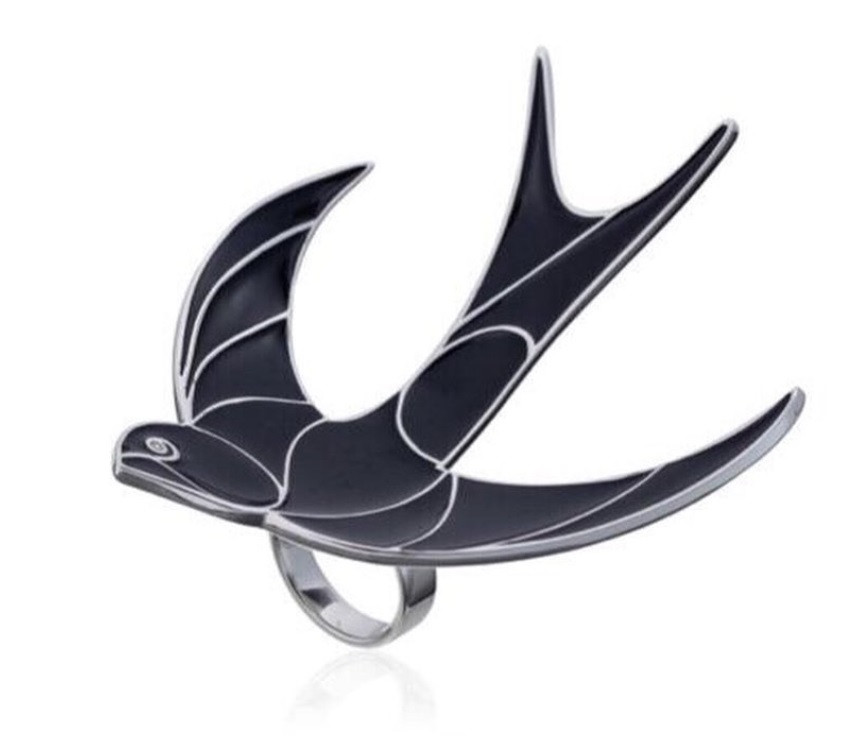 Серебряное кольцо Ласточка. Вставка: черная эмаль, фианит, размер: 17, вес: 26 гр, покрытие родий