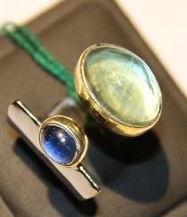 """Серебряное кольцо из коллекции """"Натуральные камни"""". Вставка: лазурит, пренит в позолоченной огранке,"""