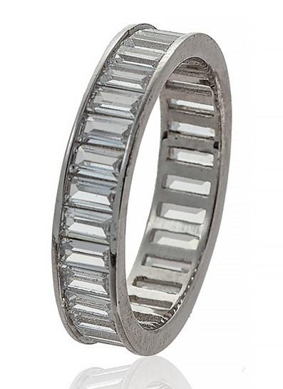 Серебряное кольцо- дорожка. Вставка: белые фианиты, вес: 3,8 гр, размер: 19, покрытие родий