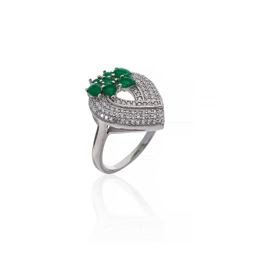 Серебряное кольцо в форме капли. Вставка: белые, зеленые,фианиты, вес: 4,9, размер: 17,5, покрытие р
