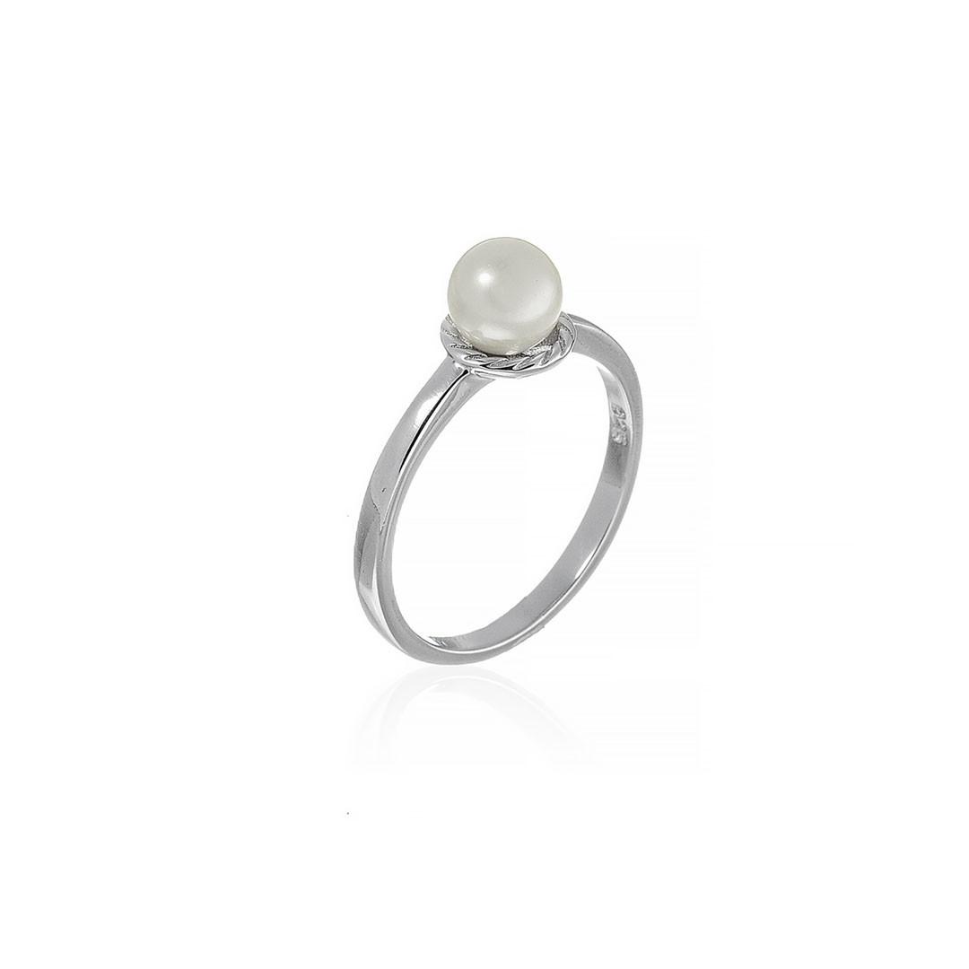 Серебряное кольцо. Вставка: жемчуг, вес: 2,4 гр, размер: 18, покрытие родий