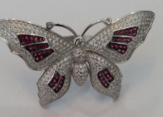 """Серебряное кольцо """"Бабочка"""". Вставка: белые и розовые фианиты, вес: 11,5 гр, размер: 19, диаметр: 5"""
